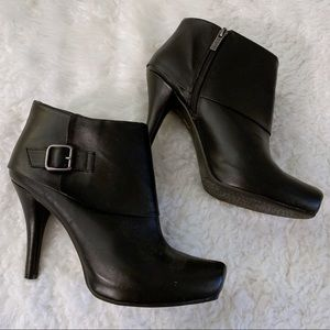 Kenneth Cole Black Stiletto Heel Wide Bootie